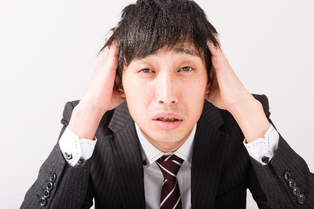 口臭の原因がわからない男性