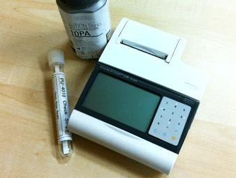 口臭外来の尿検査機器
