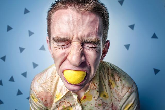 レモン加えた男